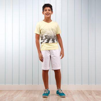 camiseta_blusa_amarela_bermuda_branca_infantil_menino_verao2016_verao2017